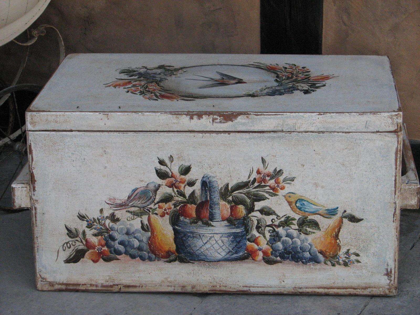 Malovaná selská truhla bílá s motivem léta a úrody 5