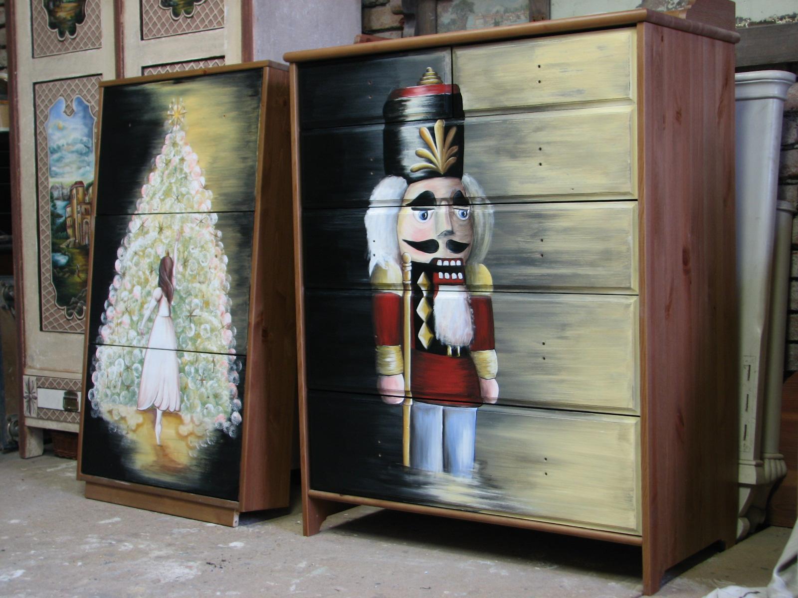 Malovaná komoda Louskáček 3