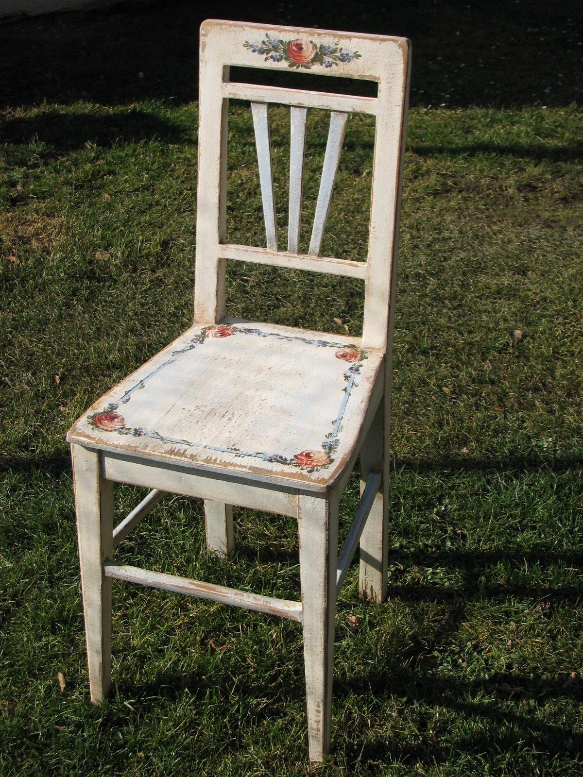 Bílý malovaný stůl a židle - nábytkový komplet 1