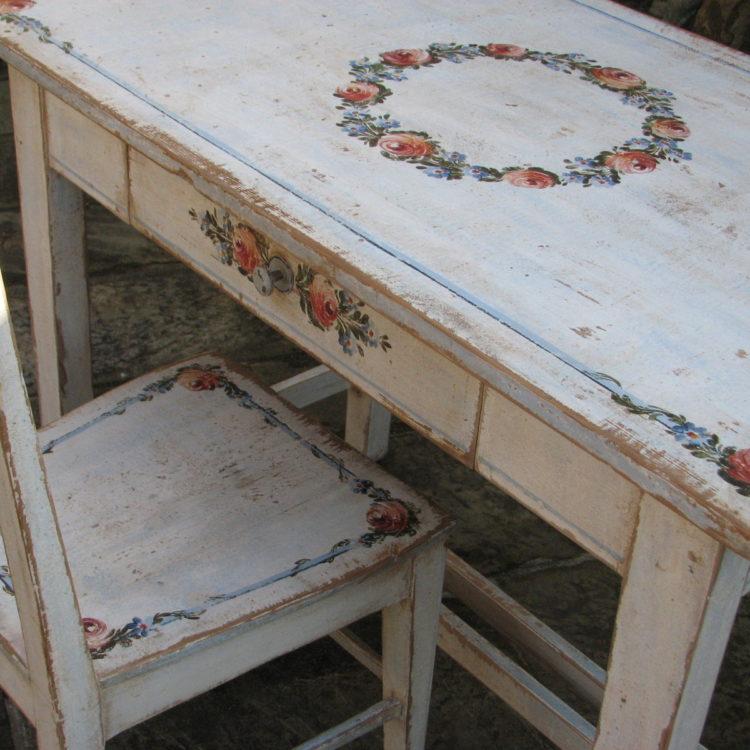 Bílý malovaný stůl a židle - nábytkový komplet 3