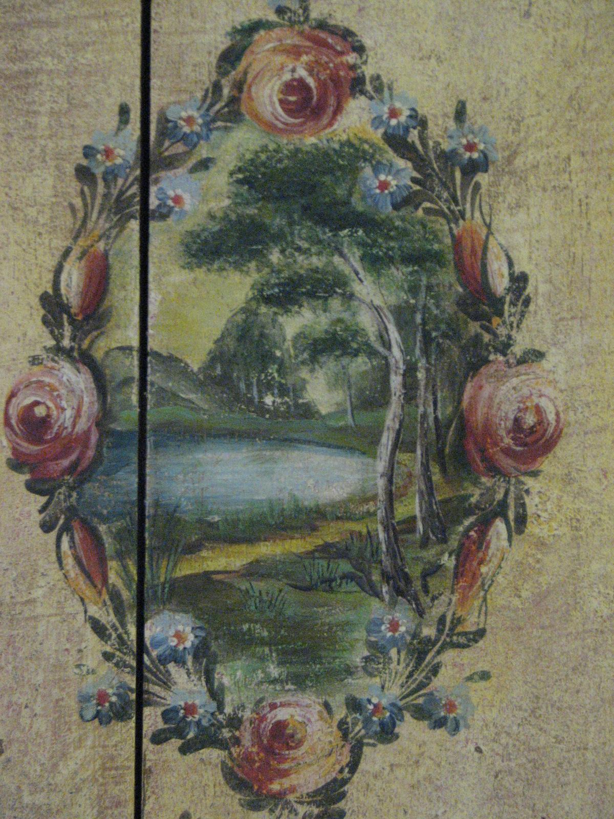Velmi zdobná malovaná skříň dvoudvéřová s krajinomalbou s dekorací květin detail 8