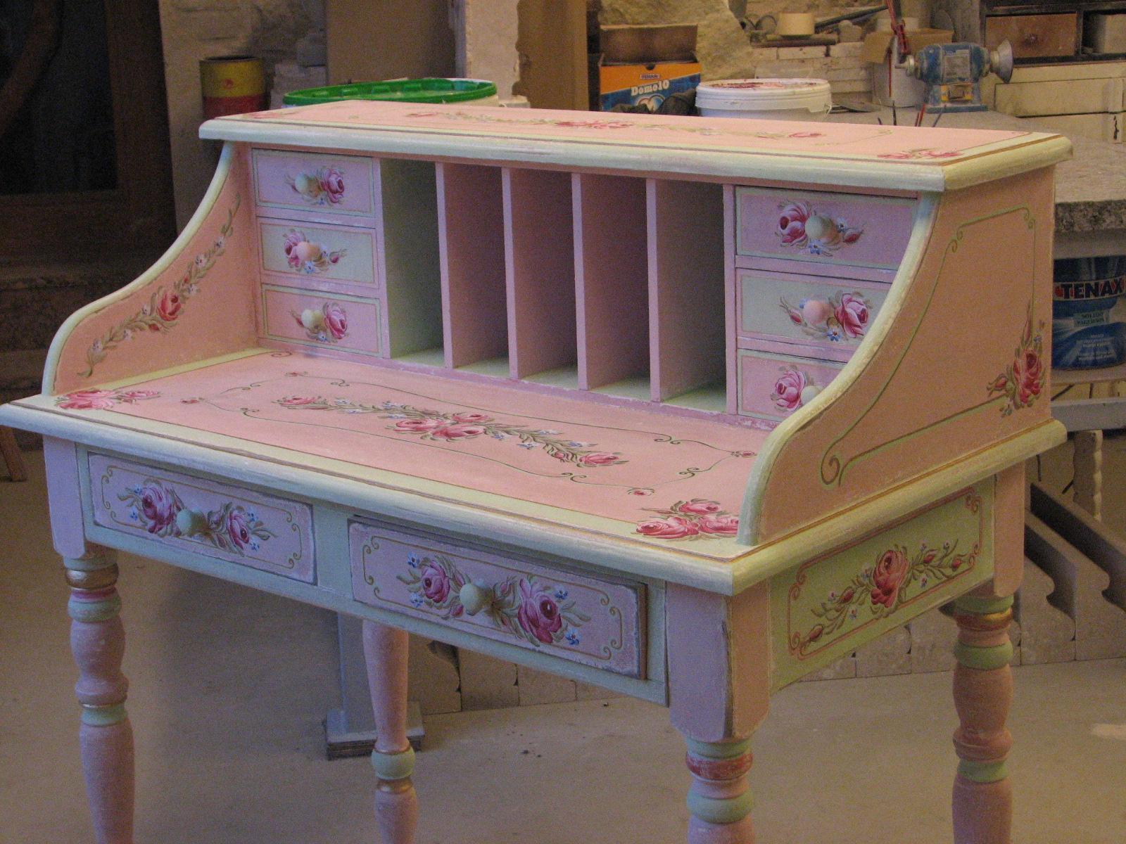 Romantický psací stůl růžový s motivy růže a pomněnek