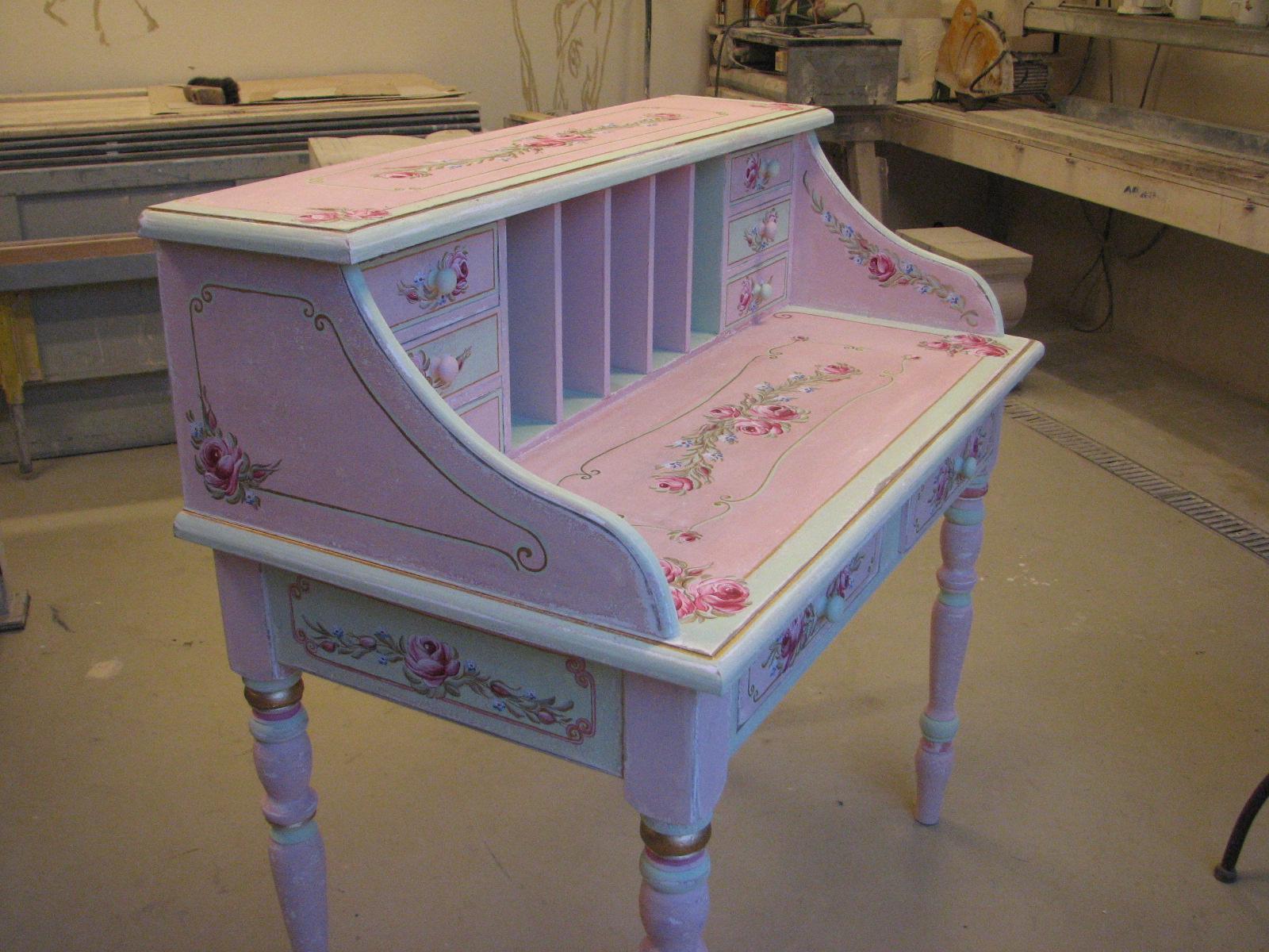 Romantický psací stůl růžový s motivy růže a pomněnek 3