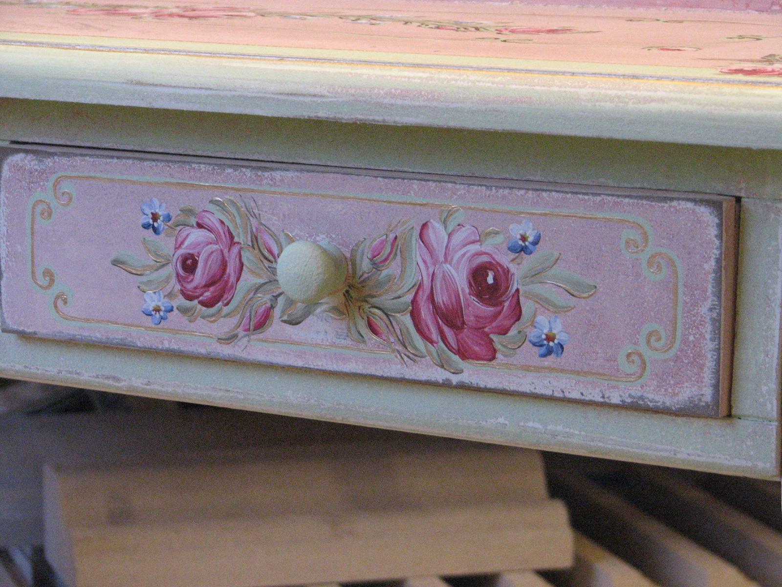 Romantický psací stůl růžový s motivy růže a pomněnek 8