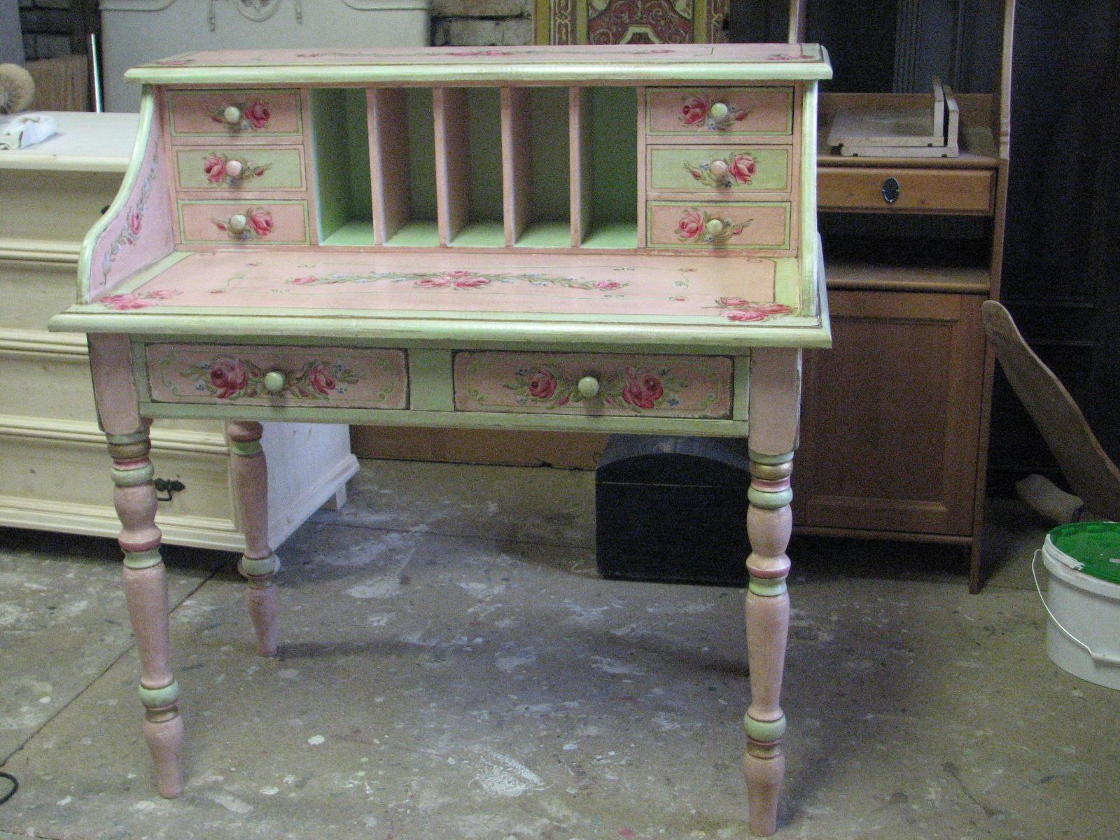 Romantický psací stůl růžový s motivy růže a pomněnek 9