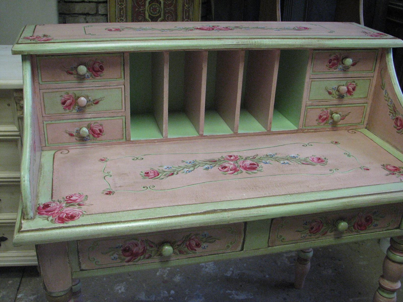 Romantický psací stůl růžový s motivy růže a pomněnek 10