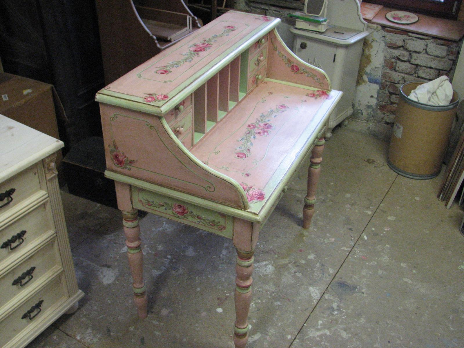 Romantický psací stůl růžový s motivy růže a pomněnek 11