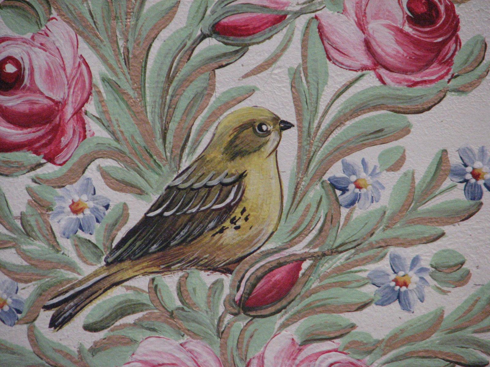 Malovaná truhla na chalupu pastelová zeleno růžová detail