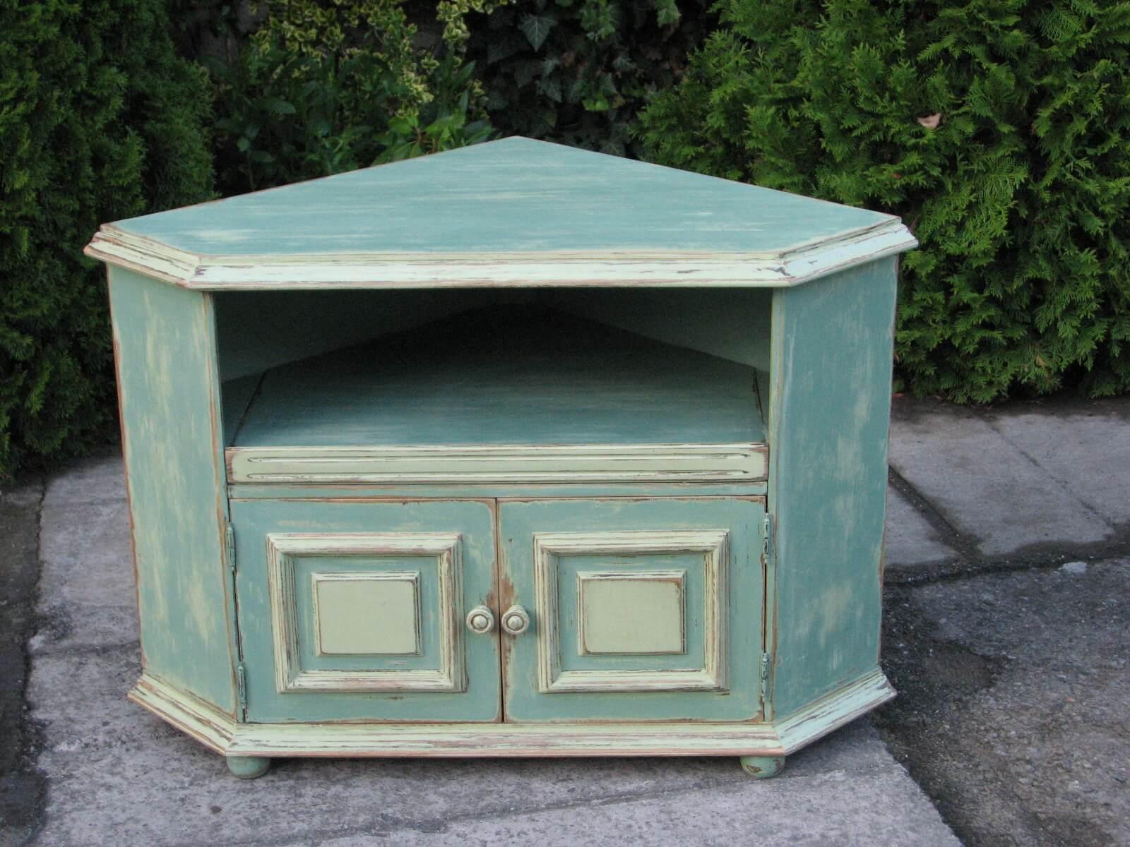 Rohová malovaná skříňka - na televizi 2