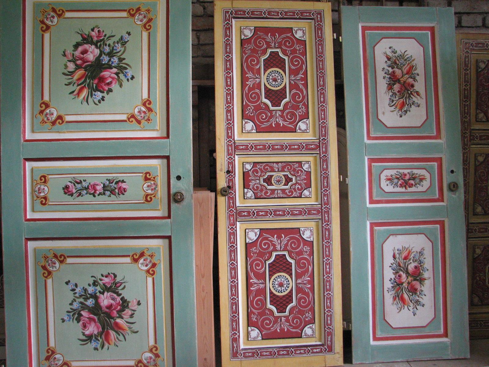 Selské dveře na chalupu s ruční oboustrannou malbou květin a ornamentů 3